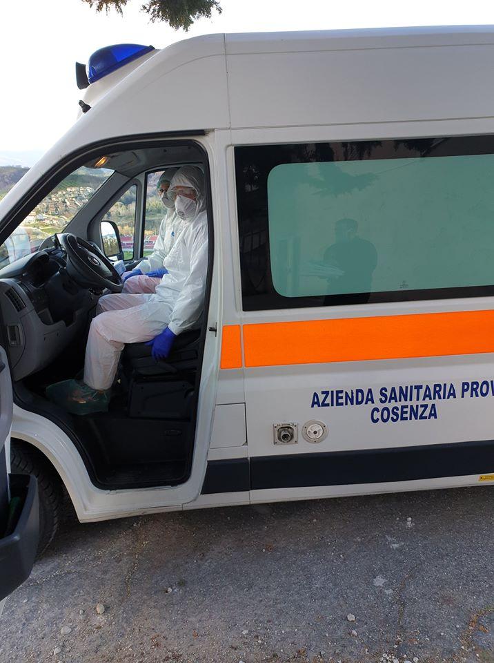 Auser Cosenza dona tute e mascherine agli operatori sanitari